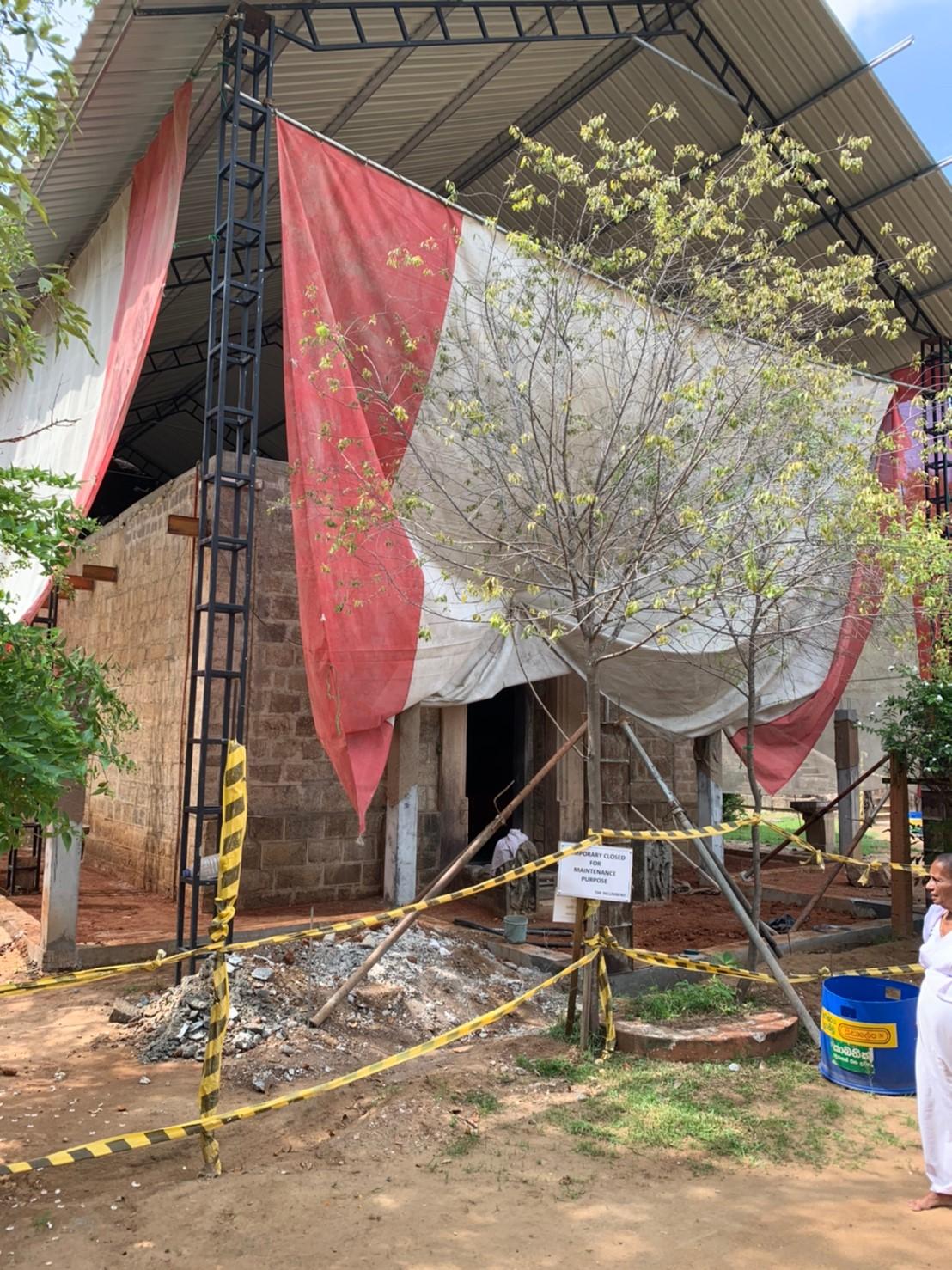 寝釈迦象が安置されている新堂は現在建築中