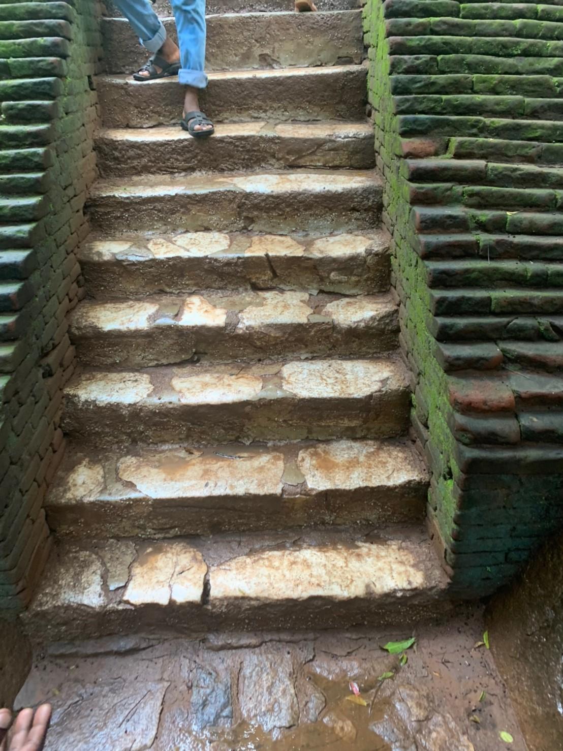 シギリヤロックの階段