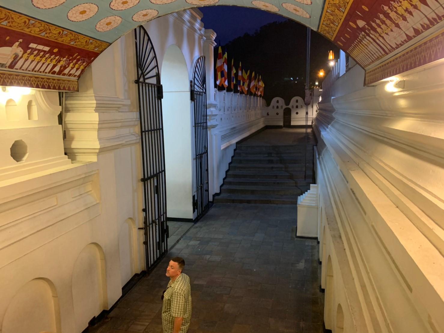 キャンディ仏歯寺のエントランス