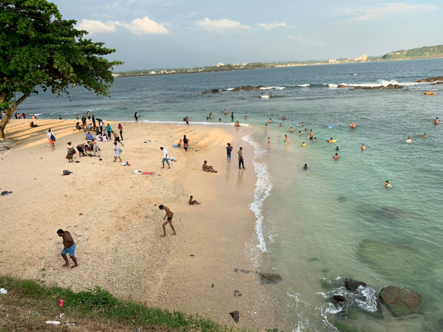 ゴールの灯台裏のビーチ