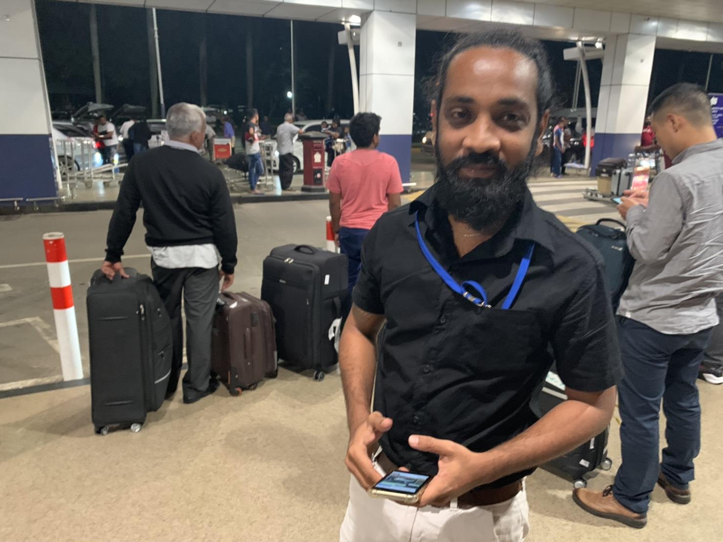 スリランカタクシーサービスのドライバーであるアサンカ氏