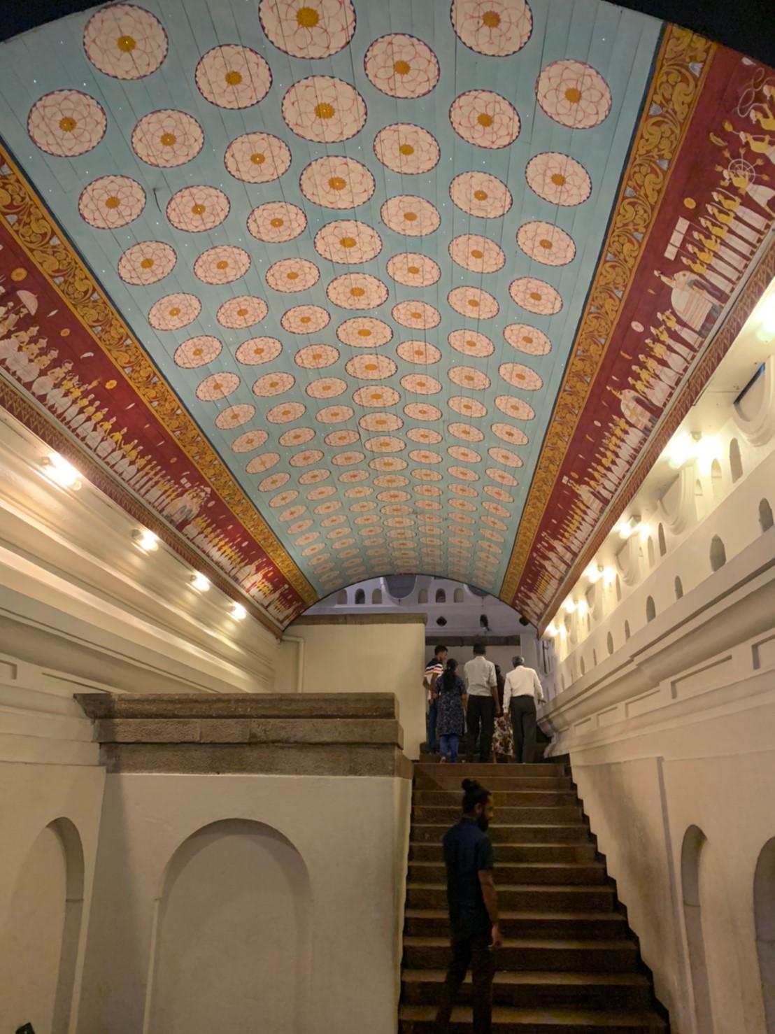 仏歯寺のエンタランスホール
