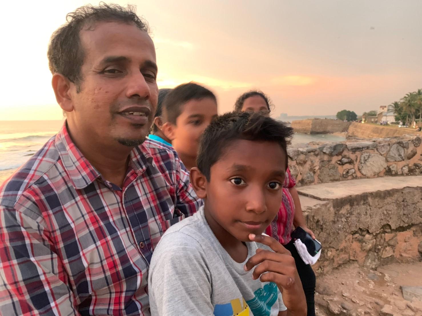 ゴールで話しかけて来たスリランカの家族