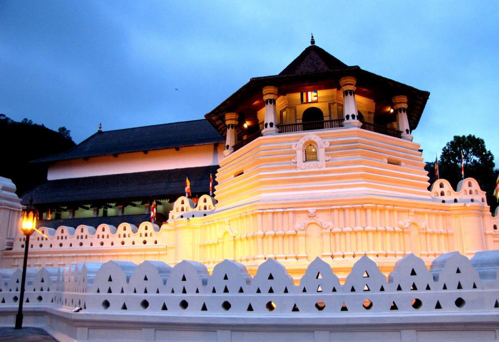 キャンディ仏歯寺
